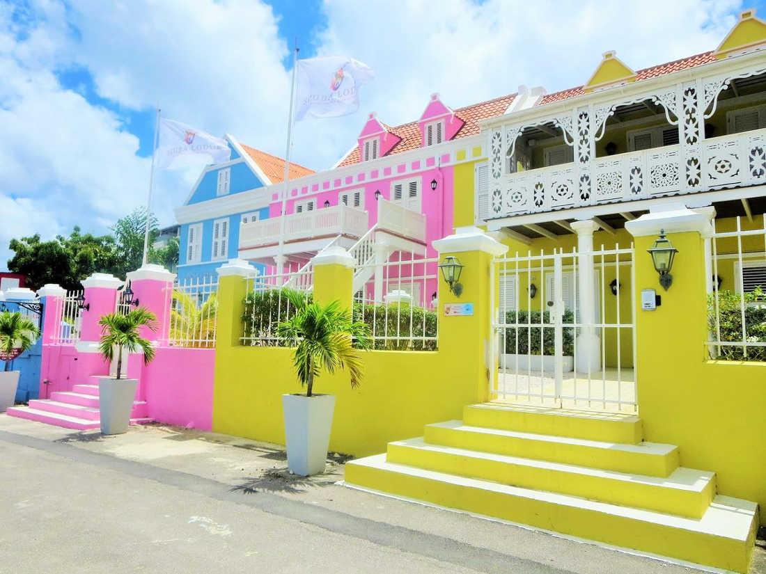 Scuba Lodge & Suites, Pool & Sea View
