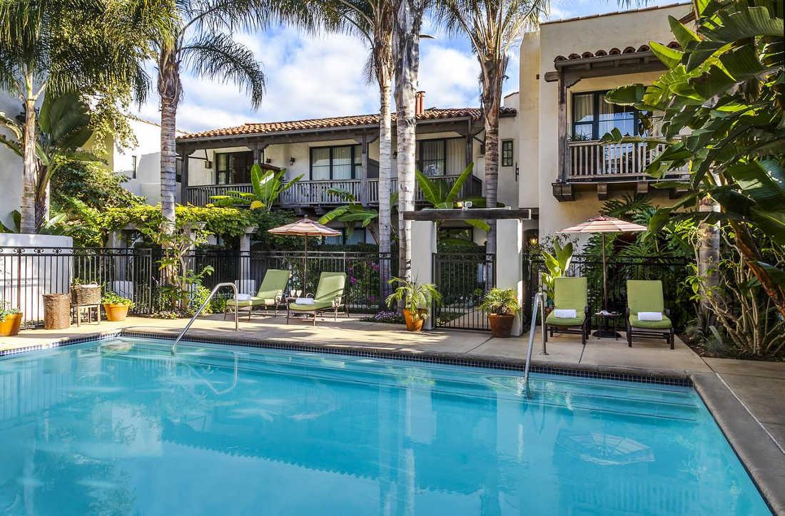 Spanish Garden Inn, Pool